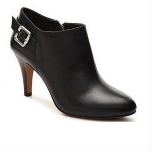VINCE CAMUTO VAL BOOTIES